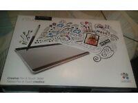Intuos Creative Pen & Touch Tablet - Medium ONO