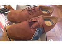 New mens classic shoes size 9