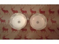 A pretty pair of small Royal Doulton bowls marked Alton 1978. 13 cm across