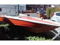 speed boat with tailer 199£