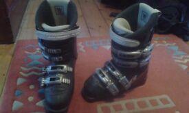 Ladies Salomon Ski Boots Size 4/4.5