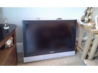 Panasonic model TX-32LXD52 tv complete with quality tilting wall bracket.