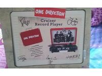 ONE DIRECTION RECORD PLAYER
