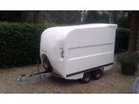 BOX TOWAVAN TYPE TRAILER 4 WHEELS BATESON IDEAL CAMPING,MOTOCROSS,DJ ETC
