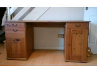 Wooden Desk solid wood 1 cupboard, 3 draws, 1 filing draw, delivery available in Swindon