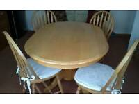 Table and 4 Chairs light pine