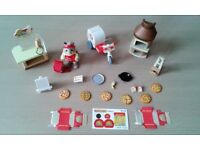 Sylvanian Family Pizza Shop/Delivery Set (VGC) Selling Multiple Sets.