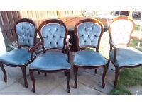 Italian dining table with 4 chairs in good condition // free delivery