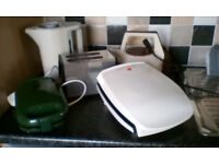 Electric grill+Toaster+Sandwich toaster+2 Kettels+Iron