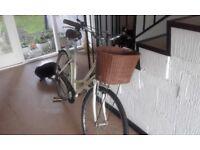 Ladies Cream Dawes Duchess bike