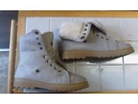 size 7 fur lined boots