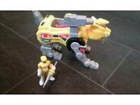 Imaginext Power Rangers yellow ranger and Sabre tooth zord