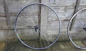 Front bike wheel 700c campagnolo Mavic VGC