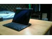 Ipad 3 64GB Logitech Bluetooth keyboard