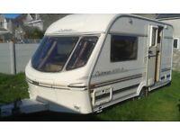 Lunar Clubman 400/2 1998 Caravan Good Clean Condition Tidy 2 Berth With Motor Mover