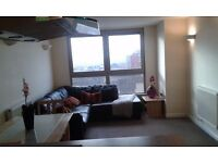 Two Bed Two Bath Purpose Built Flat to Let in Sutton