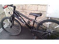 Halfords Hood V4 boys bike