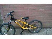 Kids bike suit 6-8year old hotrock boys bike good condition £20