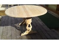 ERCOL DROP LEAF TABLE WITH PULLS OAK TOP ELM AND BEECH OVAL SHAPE SEATS 6 PEOPLE HAND RESTORED