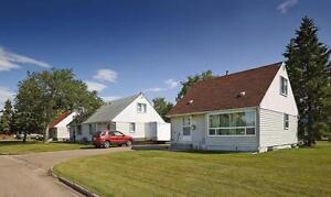 Griesbach Community - Live in Rent Free for the Holidays Edmonton Edmonton Area image 2