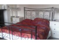 Stunning kingsize bed ..metal frame and mattress. .local dlivery available .£95