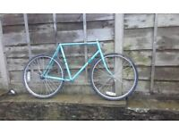 Road bike frame - sun raleigh good for commuter fixed gear wheel fixie