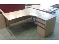 Lots of 160/180cm Corner Desks with FREE Pedestal