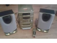 Gold CD/RADIO/CASSETE player with speakers