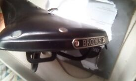brooks bike saddle