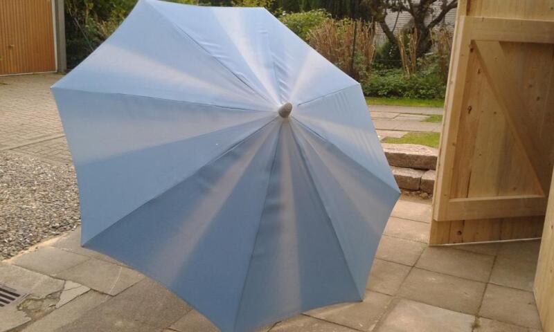 Schirmständer und Sonnenschirm in SchleswigHolstein
