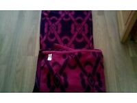 M/S Large. Bath. Sheets. Towels X2 as new