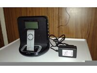 Philips AJ300DB/05 iPod and GoGear Docking System Radio with remote control