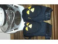 Nukeproof critical armour knee pads