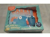 SPLASH AND SNOOZE WITH BARRY THE FISH WITH FINGERS GIFT SET