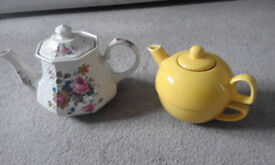 Combined teapot and large cup