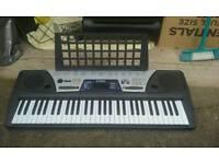 Keyboard -Yamaha psr 175