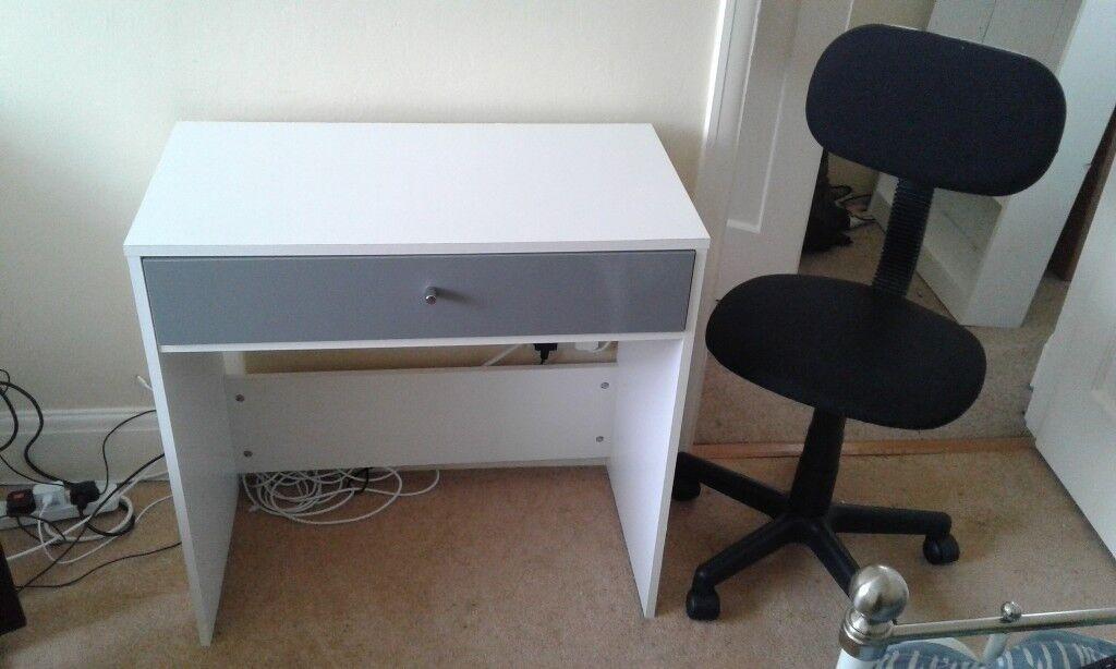 Pleasant White Kids Desk With Black Swivel Chair In Exeter Devon Gumtree Machost Co Dining Chair Design Ideas Machostcouk