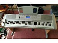 Yamaha DGX-500 Electric Piano