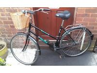 """LADIES """"FALCON"""" BIKE WITH REMOVABLE BASKET/ BICYCLE"""