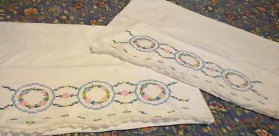 Pretty Flower Bed - Vintage Pair Embroidered Standard Bed Pillowcases Flower Wreaths VERY PRETTY!