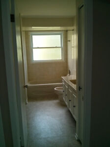 Private 2 BDR  Apartment!!!  Quick 401 Access. Cornwall Ontario image 8