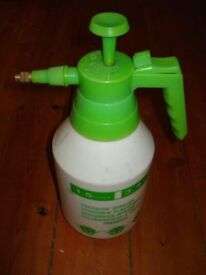 Garden Sprayer (Hand)