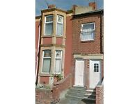 Fantastic 2 bedroom upper flat in the highly popular area of Brighton Road. Bensham, Gateshead.