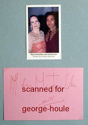 MARY MCFADDEN - AUTOGRAPH - 1995 - FASHION DESIGNER - COTY AWARD