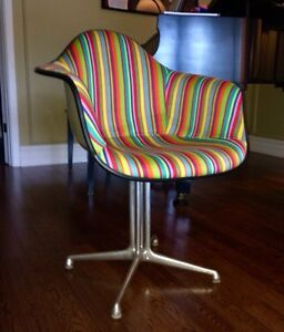 Mid Century Eames Herman Miller Arm Shell Chair  London Ontario image 1