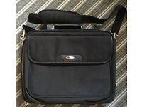 Laptop bag brief case quality make Targus