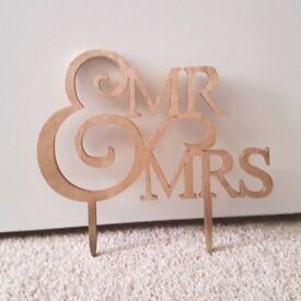 Wedding Mr and Mrs Gold Cake Topper