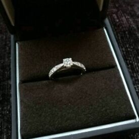 9ct white gold 0.5ct diamond engagement ring size I
