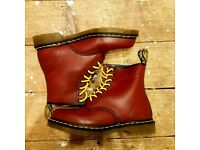 **WORN ONCE** DOC MARTENS PRACTICALLY BRAND NEW