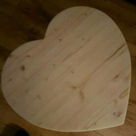 Small heart tables